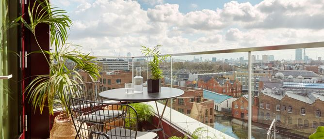Stay Camden Serviced Apartments with Balcony